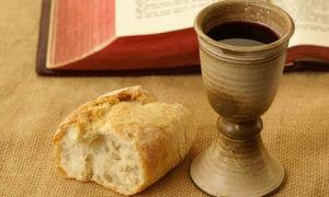 Причащение в церкви: что это такое и как происходит
