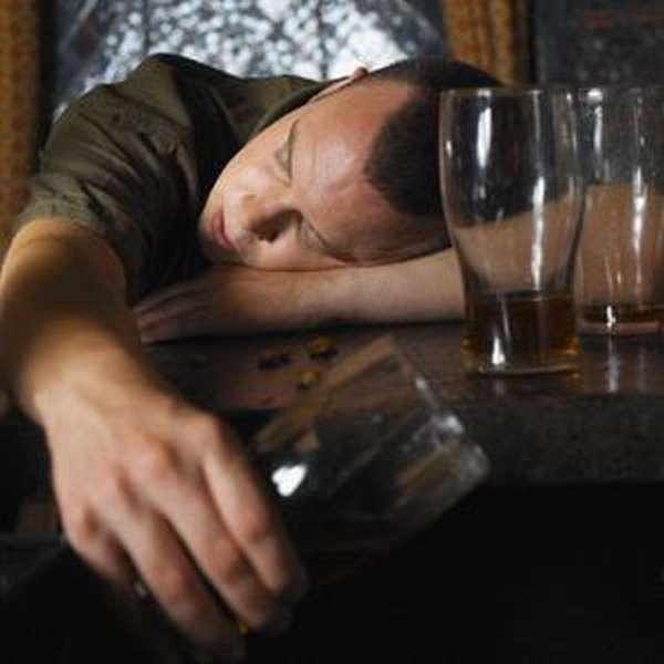 Молитвы от пьянства сильные: для сына, для мужа