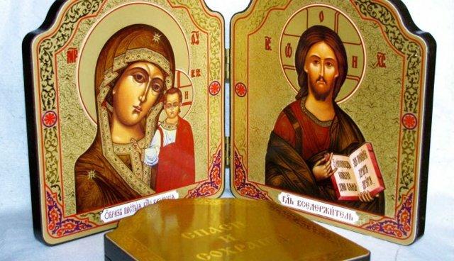Что подарить на крестины мальчику: от крестной мамы