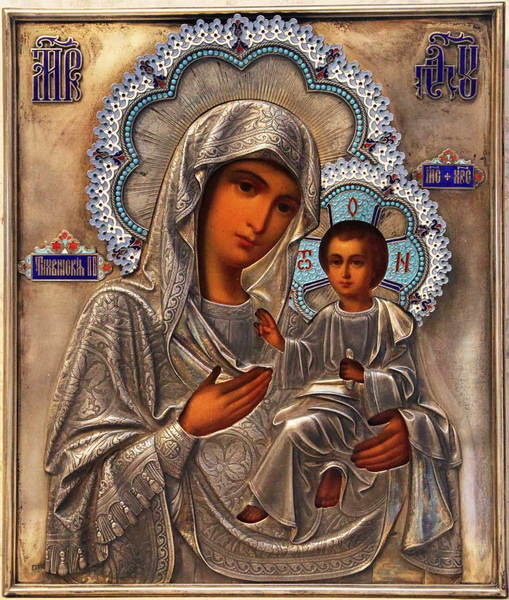 Молитва Тихвинской Божьей Матери о детях: текст