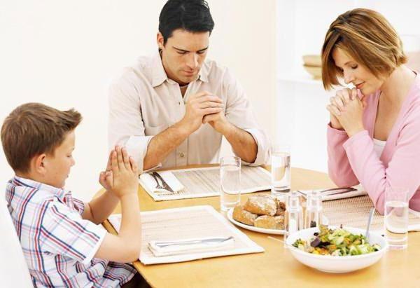 Молитва перед едой и после: православная