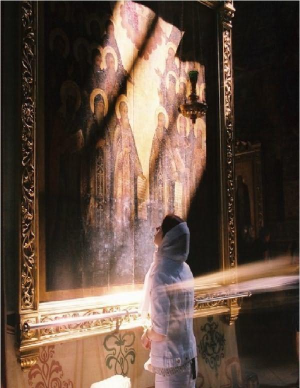 Можно ли молиться во время месячных дома