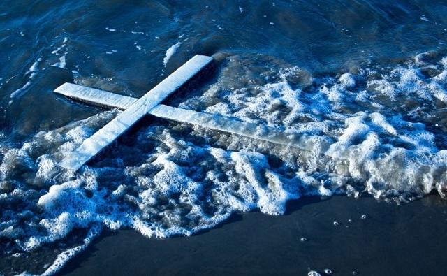 Крещенская вода: когда набирать 2019