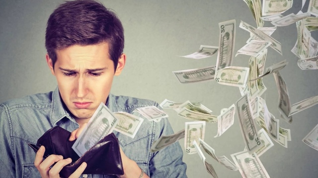 Молитва на возврат долга денег должником: текст