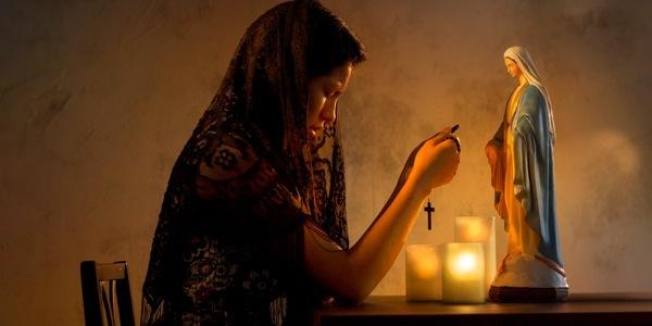 Как правильно молиться дома, чтобы Бог услышал молитву и помог