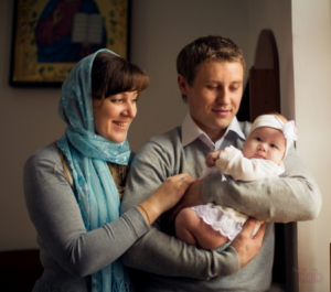 Кто может быть крестными у ребенка при крещении