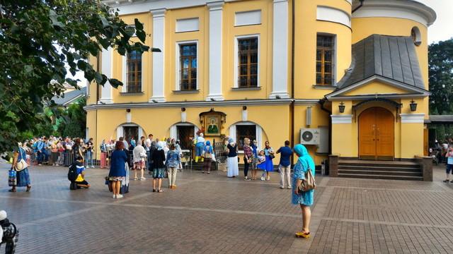 Матрона Московская: как проехать к мощам и часы посещения