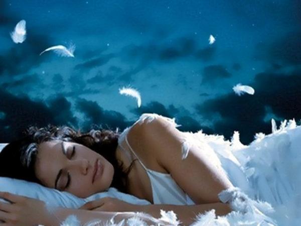 Что значит если вы увидели во сне что начались месячные: толкование сновидения