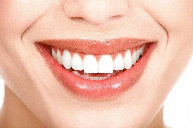 Вчера увидел во сне красивые белые зубы: толкование