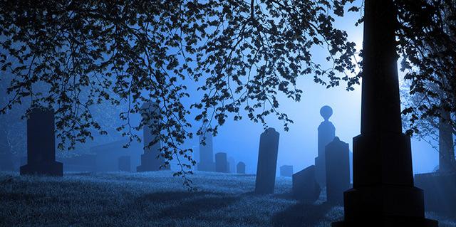 Что означает увидеть во сне живого человека мертвым в гробу: толкование сновидения