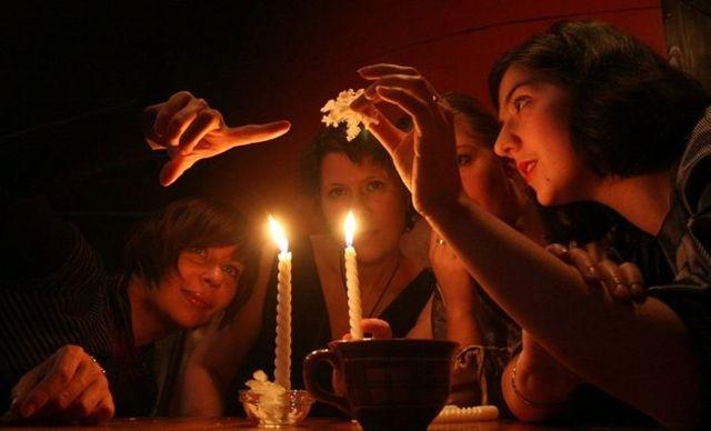 Правдивые гадания на Новый год 2020: откройте будущее в новогоднюю ночь