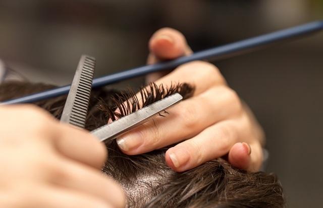 Приворот на волосы: инструкция для проведения ритуала на мужчину и женщину