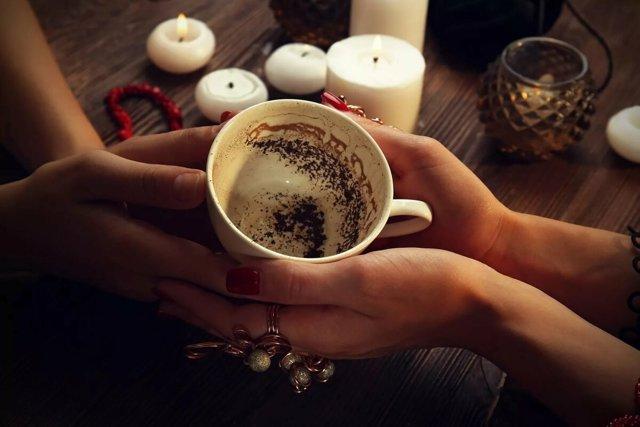 В каком порядке толковать символы на кофейной гуще?
